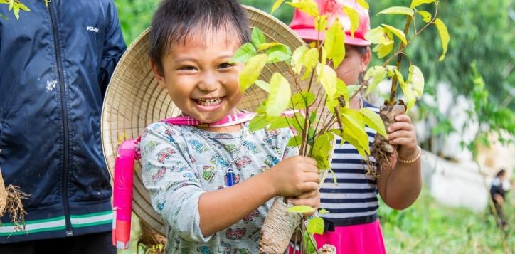 planting-tree-novotel-nha-trang-2