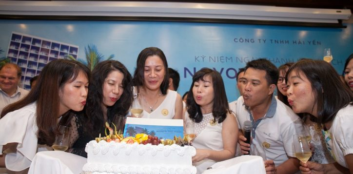 novotel-nha-trang-staff-members-celebrate-hotel-anniversary