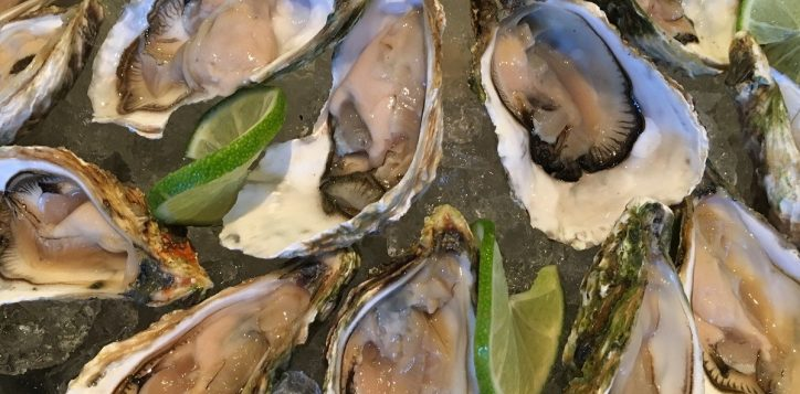 oysters-on-the-rock-novotel-nha-trang-2