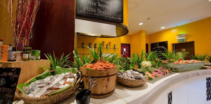 novotel-nha-trang-the-square-buffet-2